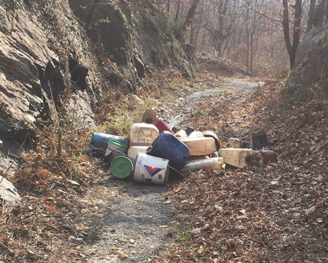 CHIAVERANO rifiuti abbandonati