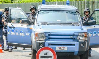 Foto di Alberto Giachino. Attività di polizia. Torino.